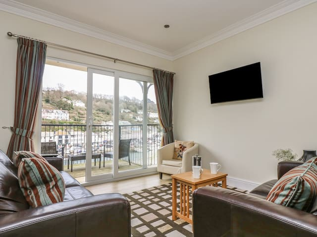 RIVERCREST, family friendly, with a garden in Looe, Ref 930027