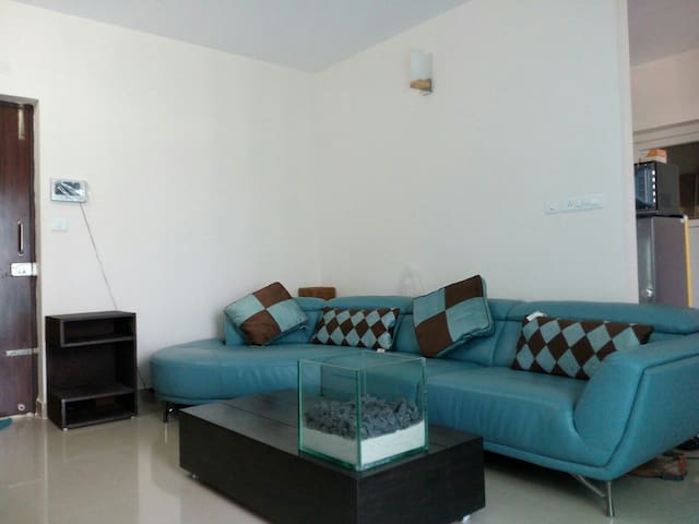 Cozy 2BHK flat in yelhanka new town - Bangalore - Appartement