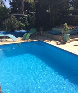 Ensuite room by the pool in peaceful location - Eaton - Talo