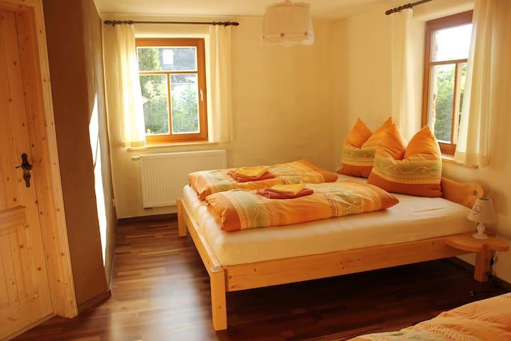 Nähe von Schleiz: Lerchenwohnung - Crispendorf - Byt