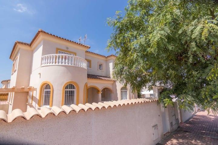 Villa Princesa Maria, in the heart of Torrevieja