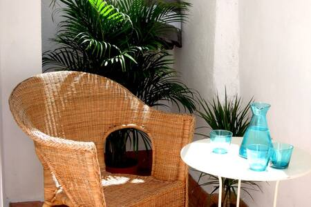 Vacation in Style! 2bdr,pool,Rambla