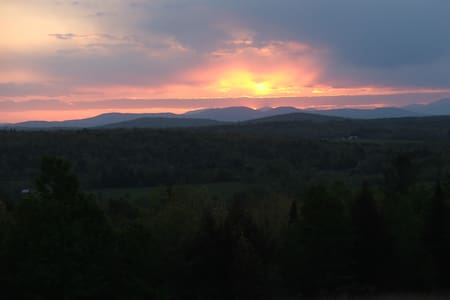 Country setting with beautiful sunsets - Fairfield