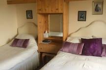 Fisherbeck triple en-suite room