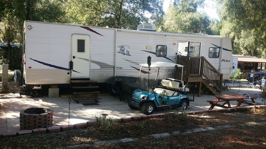 Salt Springs RV w/ Golf Cart & 100 mb of wifi