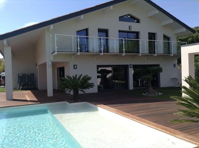 VILLA GRAND STANDING / PISCINE / SPA  A 600m PLAGE - Agde - Casa