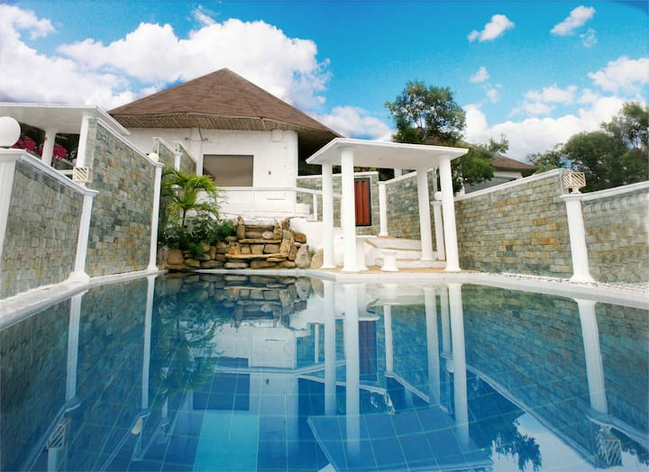 ALFHEIM POOL VILLA AND SPA
