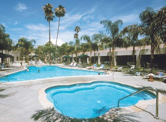 1 BR, WorldMark Palm Springs Resort, R-E-L-A-X-ing