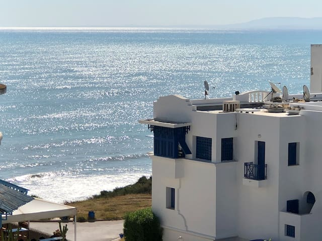 Grand studio terrasse vue sur mer