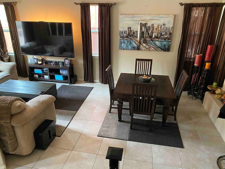 "Brentwood Airbnb Suite Master+Office+Bonus +80""TV"