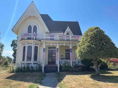 1879 Historic Laughlin House