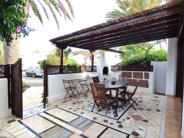 Beach apartment with terrace, Puerto del Carmen - Tías - Condominium