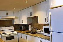Newmarket Beautiful Basement Suite