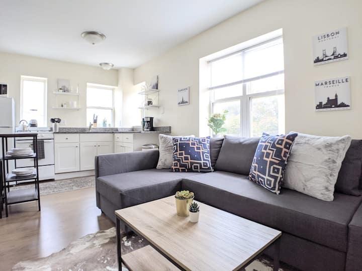 Trendy 1BR Apartment | Near Downtown/Fiserv Forum
