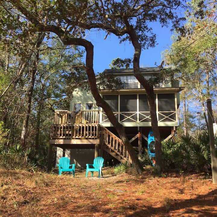 Sopchoppy River House, Work-from-Home Alternative
