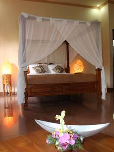Villa De Surya Downstairs XL Room 2