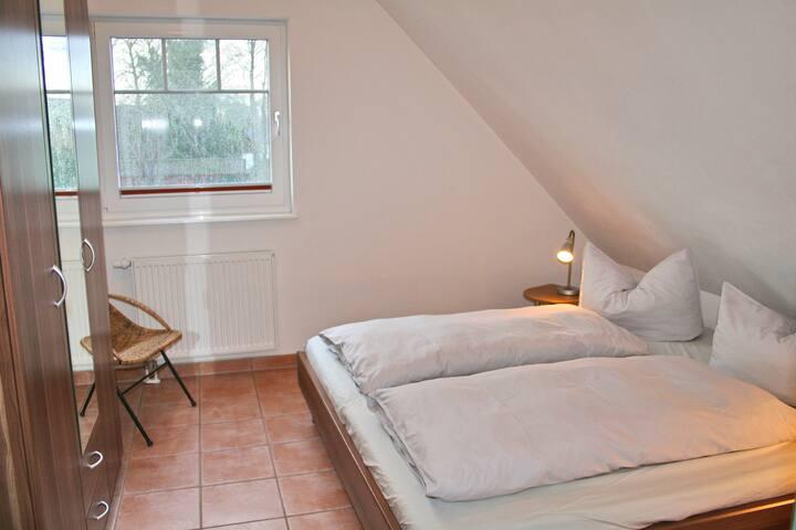 Schlafzimmer 1 Bett 1,80X2,00
