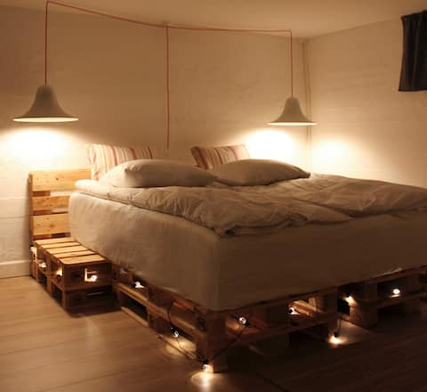Cosy private-room, king-size-bed, near CPH centre