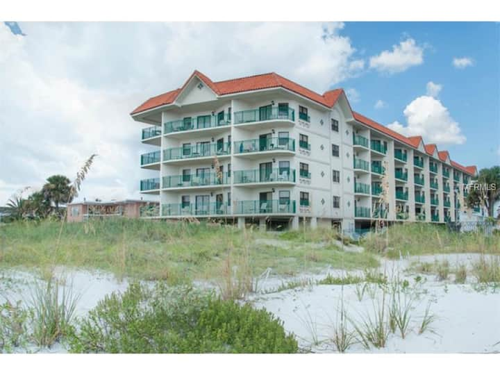 Beach front Condo on the sugary sands of the Gulf