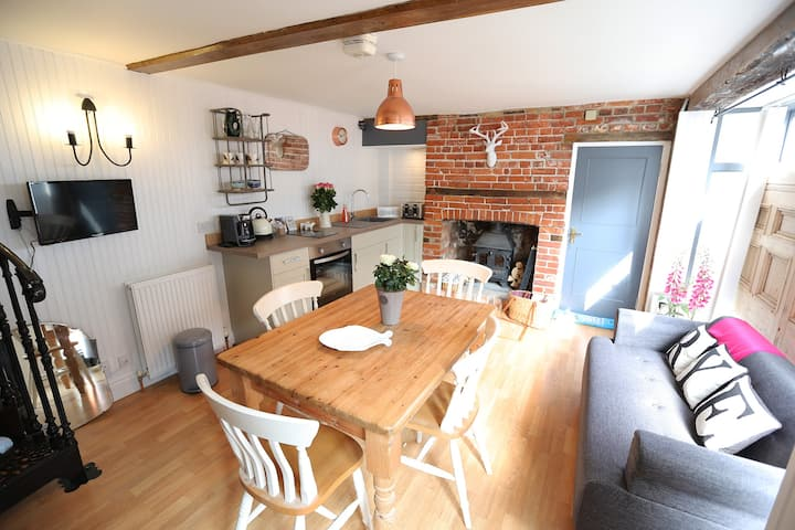 No 10 Landgate - Boutique Cottage