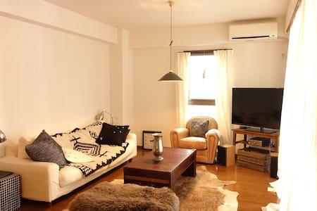 2 bedrooms & a huge living room - Huoneisto