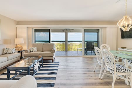 Stunning Gulf Front Townhouse with direct gulf front views!
