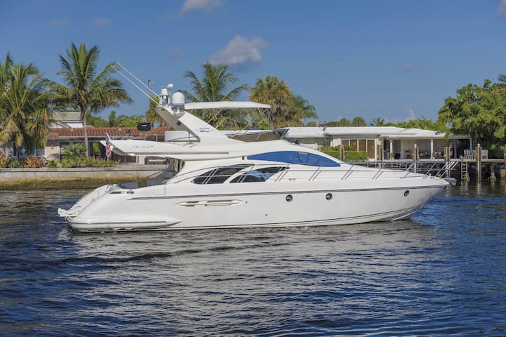 Aquatic Dreams Luxury Yacht Wilmington NC Sleeps 6