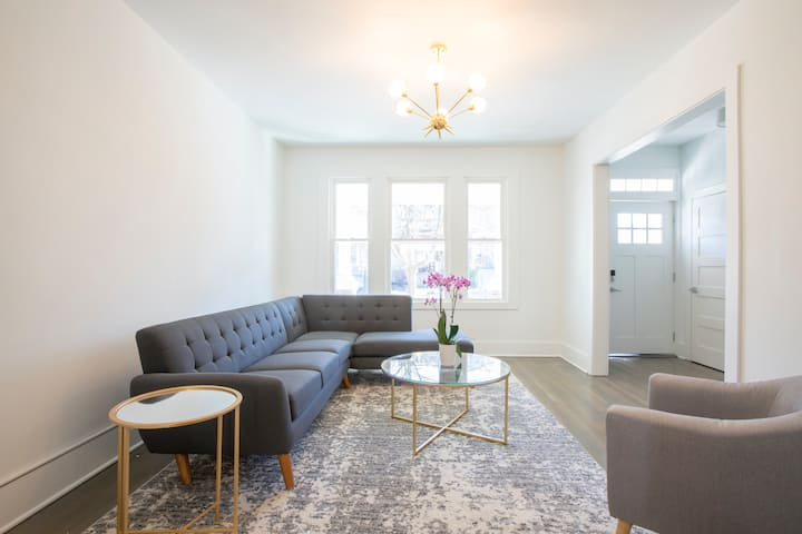 Sunny private room in lovely Petworth group home