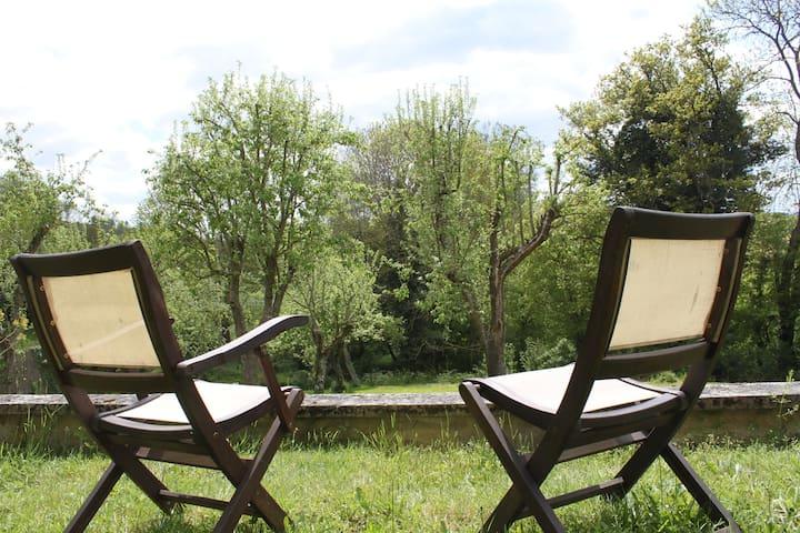 Etes-vous prêt pour une pause détente en Auvergne? - Charbonnières-les-Vieilles - ที่พักพร้อมอาหารเช้า