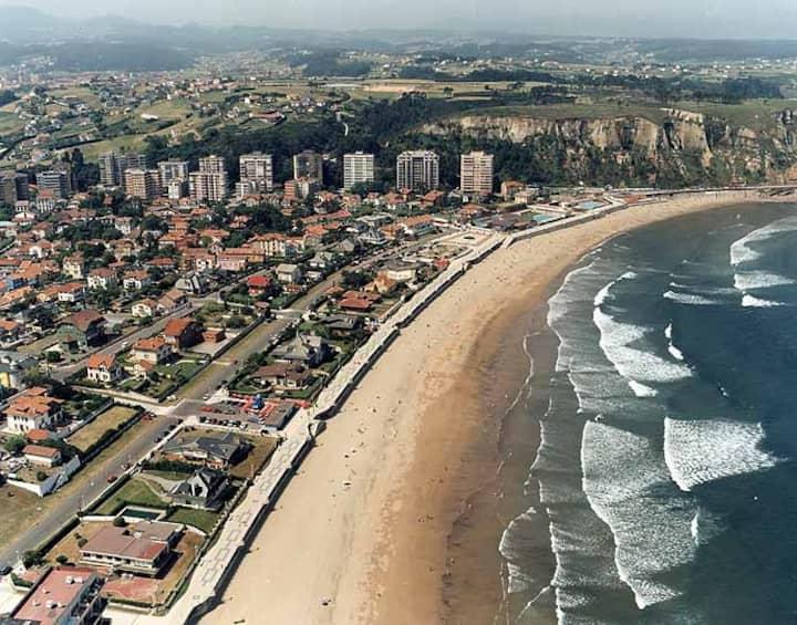 Piso en urbanización a 5 minutos de la playa.