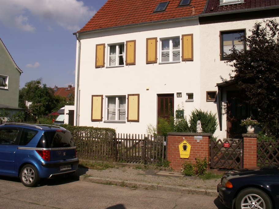 Nice home for singles and complete family houses for for Big houses in germany