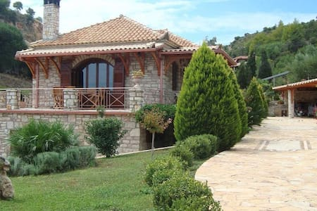 Spacious house near Koroni - Koroni - Huis