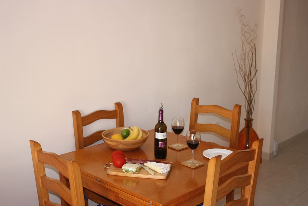 indoor dining - expands upto seat 8