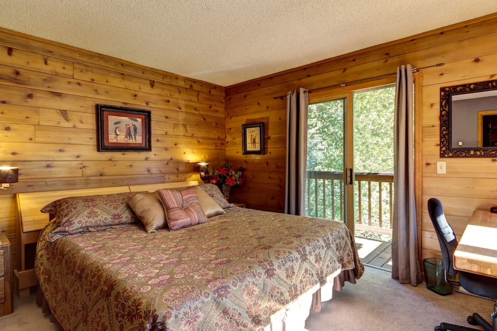 King bedroom with temper pedic bed, private