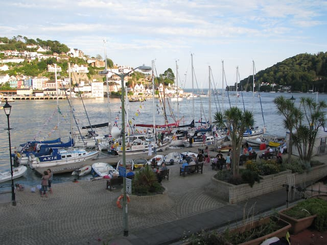 Breakfast with a stunning view  - Dartmouth - Penzion (B&B)
