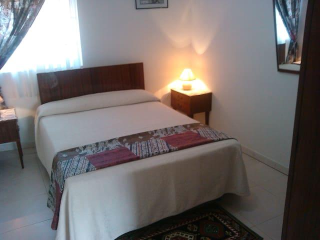 Casa en     EL Bierzo y   parking - Sobrado - Haus