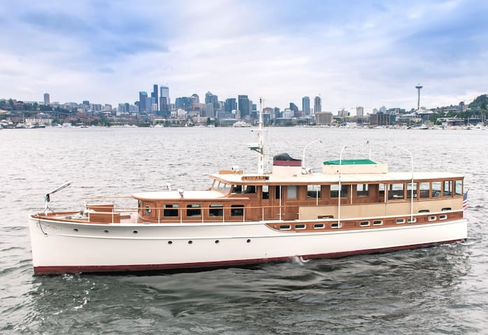 78' Historic Yacht! Fully Restored, Sleeps 8!