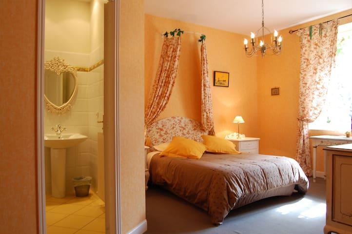 VILLA PREMAYAC - Blaye - Bed & Breakfast
