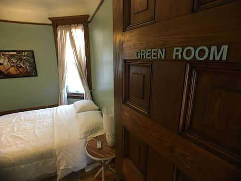 Green Room-Historic Home* near Uptown/Downtown