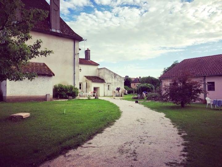Petit gite campagnard au bord de Saône