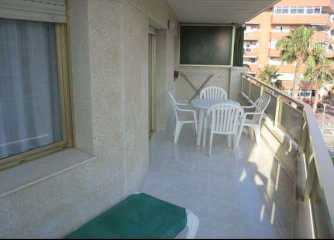 Salou-Port Aventura 4-5 pax 600€ - Salou - Apartment