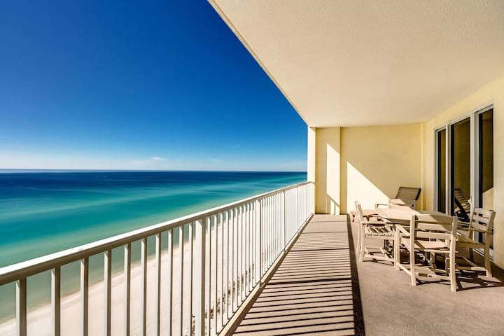 OR 1402- Beach Front Pool, beach access, close to Pier Park!