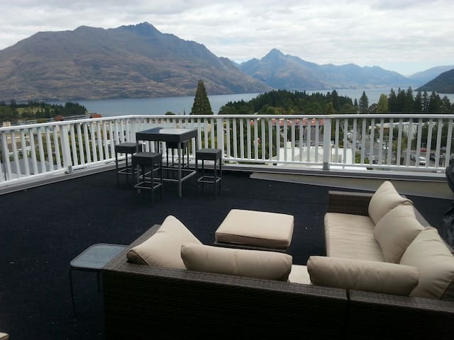 Room with private rooftop garden - Queenstown