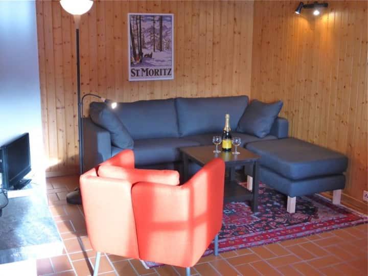 Studio im Erdgeschoss mit Blick über das Jauntal
