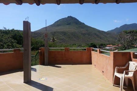 Bella Quinta Isla de Margarita - Paraguachí - Rumah