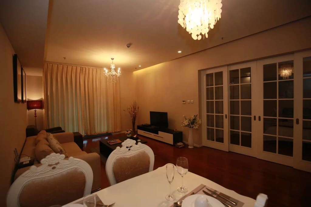 宽敞的客厅、舒适与现代感结合