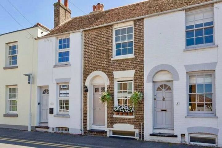 The Writer's Cottage, Deal Kent