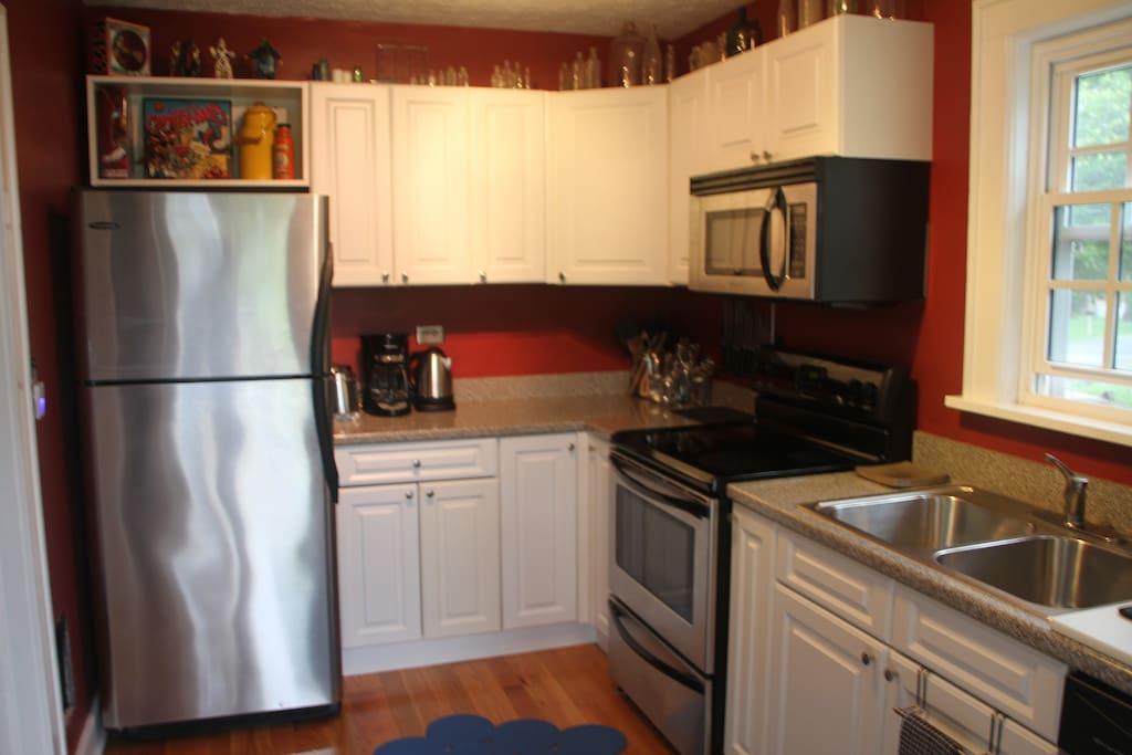Kitchen w/ stainless appliances
