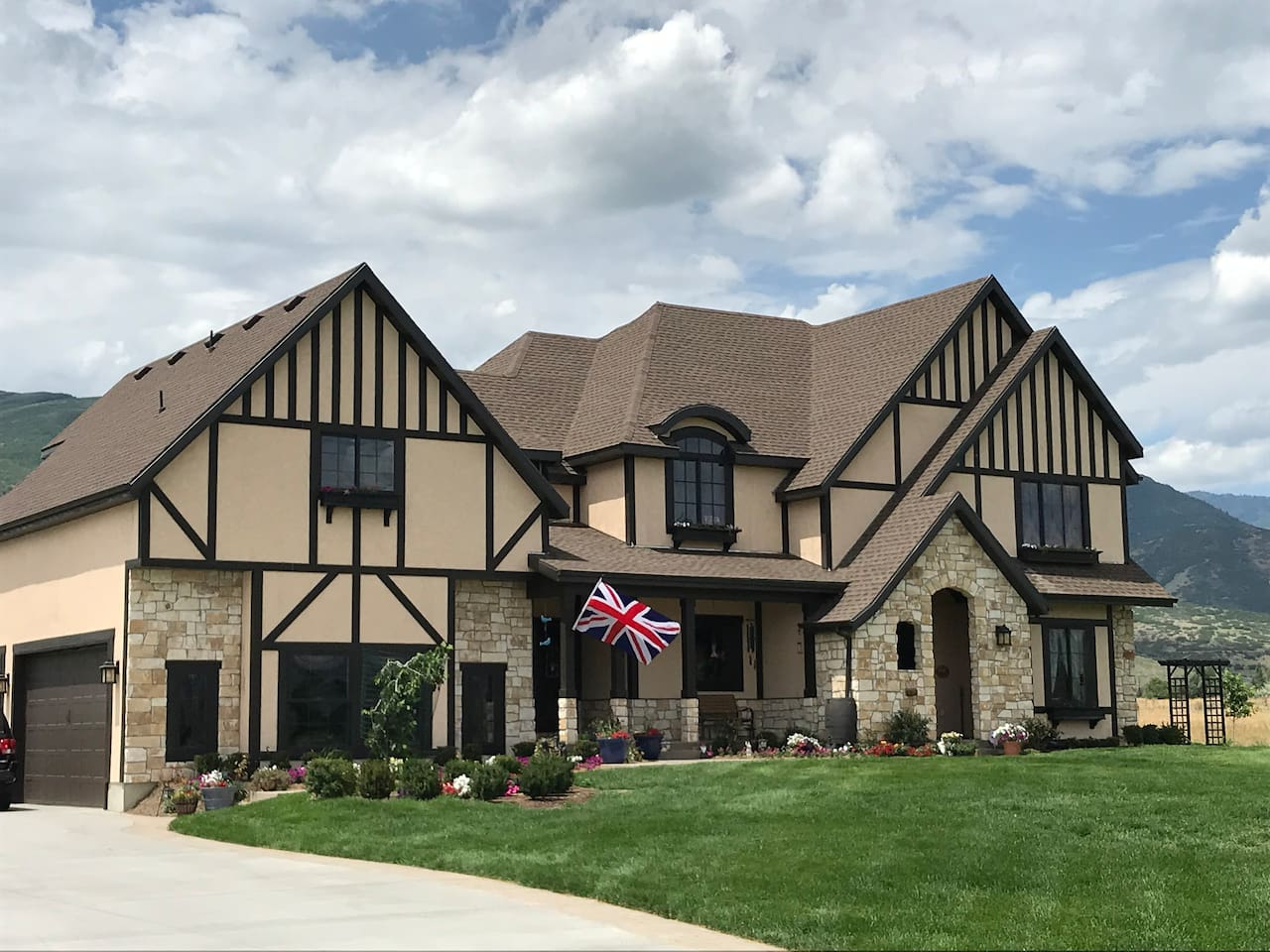 English Country Tudor home located in Beautiful Midway, Utah