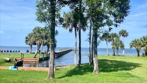 Indian River/NASA/Guest House 3BDs 2BTH/Very Clean